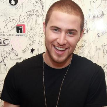Mike Posner (I Took A Pill In Ibiza )